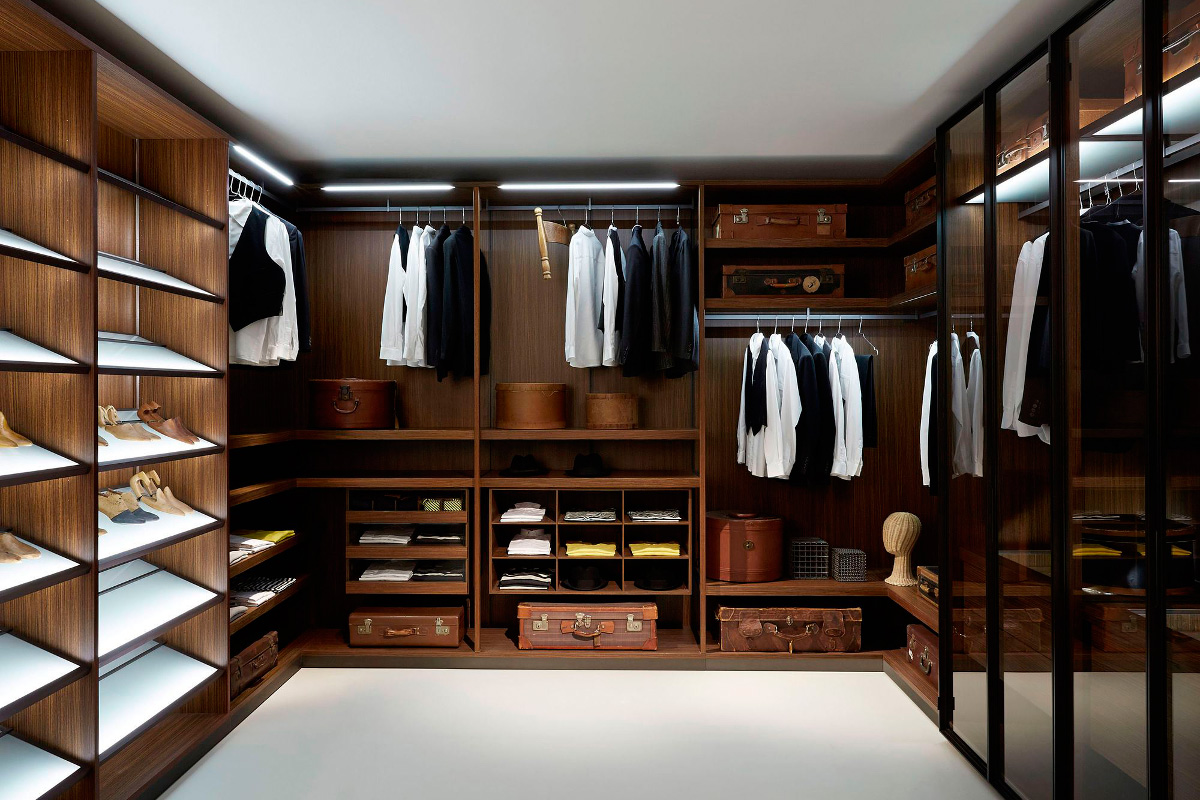 Mens Walk In Closet   Woburn Mass
